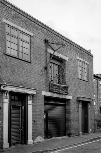 Small workshop, Eastfield Place, Rugby, Warwickshire Rugby Rugbytown Warwickshire Black And White Monochrome FUJIFILM X-T10 Architecture Workshop