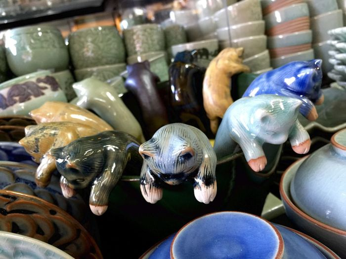Ceramic Cats On Bowl For Sale In Chatuchak Weekend Market