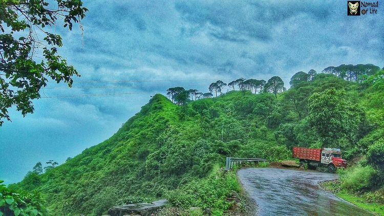Monsoon 🇮🇳 Water Tree Nature Growth Green Color Beauty In Nature Outdoors High Angle View Day No People Sky Scenics Tranquility Sea Grass Photography Traveldiary2017 Nature_collection Rainy Days☔ Nature Landscape Travelgrams Beauty In Nature Cloud - Sky Mountain Range