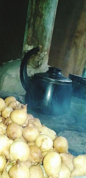 Food Food And Drink Raw Potato Healthy Eating Indoors  Close-up Freshness Bolinho De Chuva La Vie Est Simple Forno A Legna