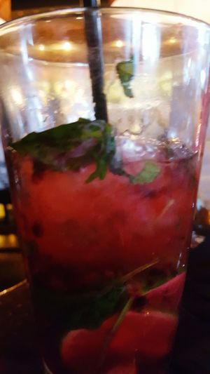 Food And Drink Mojito! 🍹 Yummy Standalone Fullphotocredit That's Me Hello World Sexydrinks Healthydrink Extramint Complementary Colors Foodphotography Food Porn February 2016 Beautiful View