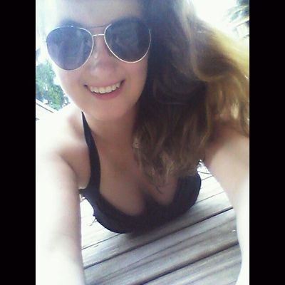 Trying to tan cause I'm pale as a ghost but Im bored and am starting to burn haha, need plans Hmu