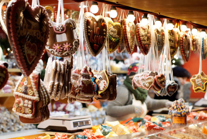 Paradise by imitation Retail  Choice Market For Sale Animal Representation Large Group Of Objects Small Business Representation Store Variation Animal Focus On Foreground Hanging Market Stall Retail Display Sale Close-up Business Consumerism Christmas Christmas Fair Sweets Capture Tomorrow