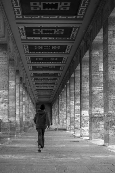 Ankara Anıtkabir Architecture Black & White Black And White Blackandwhite Blackandwhite Photography Building Built Structure Full Length My Point Of View Perspective Perspectives Thearchitect-2016-eyeemawards The Architect - 2016 EyeEm Awards Fine Art Photography