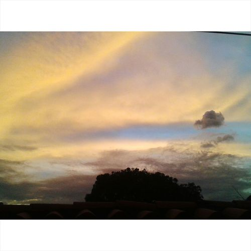 Sunset Twilight Sunset #sun #clouds #skylovers #sky #nature #beautifulinnature #naturalbeauty Photography Landscape [a:809868] Twilight In Heaven Venezuela Popular Photo Taking Photos Nature Photography Venezuelamovilfoto Enjoying Life Amateurphotography VenezuelanPopular Photos