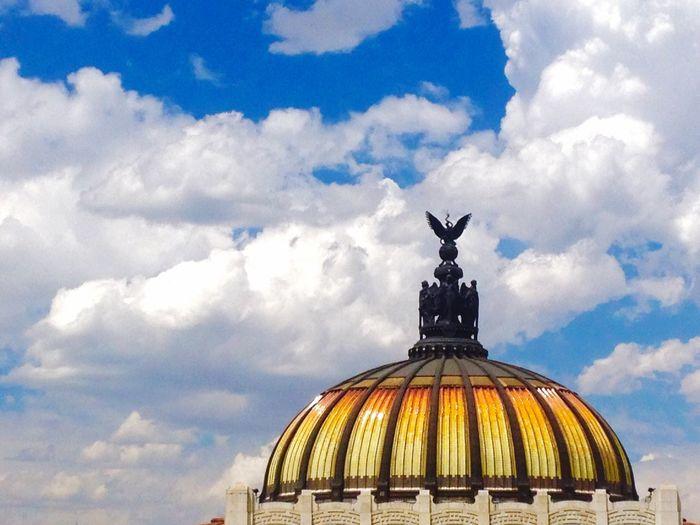 Dome of palacio de bellas artes against sky