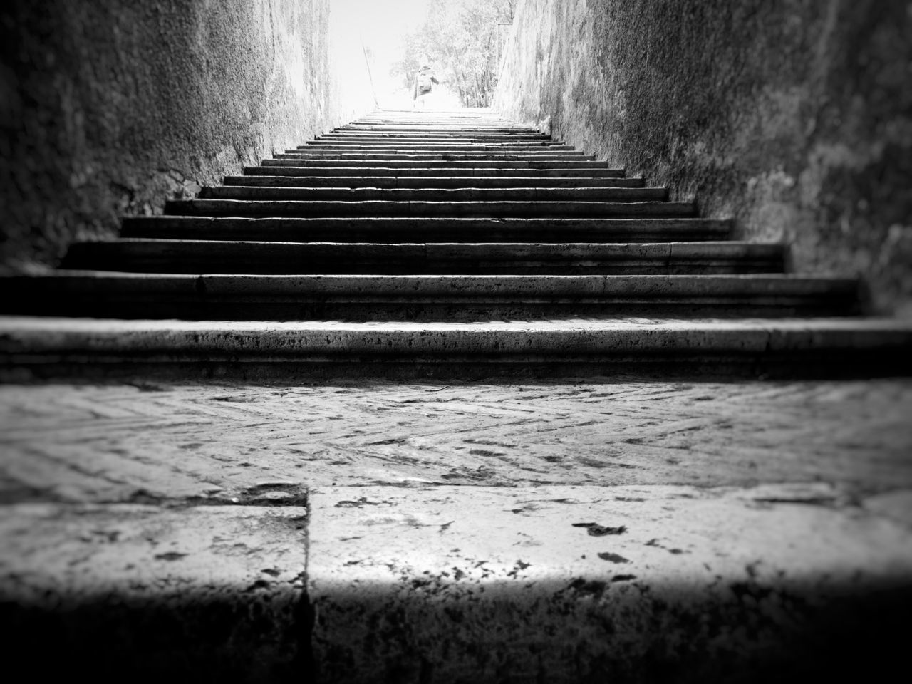steps, steps and staircases, staircase, the way forward, low angle view, day, indoors, built structure, architecture, no people, close-up