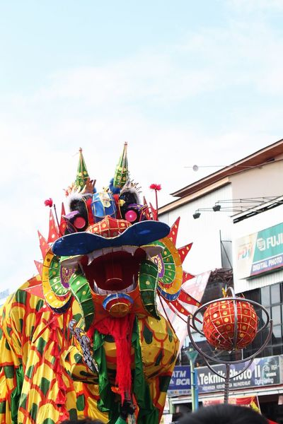 Dragon Dance Pontianak Exploreindonesia Capgomeh This event is celebrated after 15 days of Chinese New Year Asian Culture