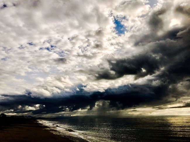 Cloud - Sky Sky Sea Nature Scenics Beauty In Nature Water Tranquility No People Outdoors Tranquil Scene Horizon Over Water Day Storm Cloud