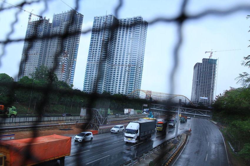 Pembangunan Gedung Pencakar langit Jakarta Indonesia