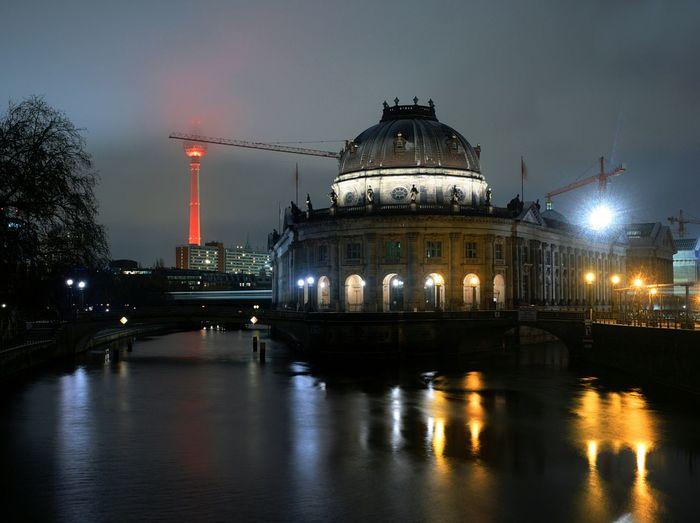 Nachts in Berlin ... Bodemusem ... Night Night Lights Nightphotography Berlin Bodemuseum Berlin Historical Building Olympus OM-D EM-1