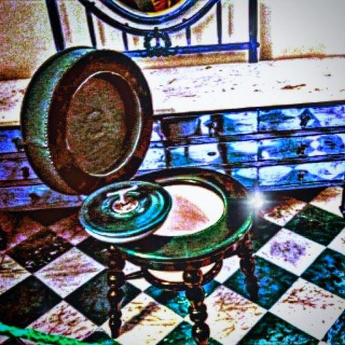 Made with Pixlr Autocontrast Shot Bathroom Magyarország Instagram Instahun Instamagyarorszag Ikozosseg Iponthu Toilet Vintage Art Arte Blue Colorful Füzérradvány Kastély Castle Mik Sajatkep Myphoto Wc