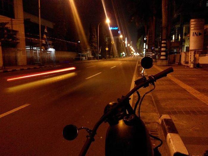 Bandungmalamini Nightride with love... Sibesitua CB100 Nightlight Nightview Lenovotography Photooftheday Photostory Lzybstrd