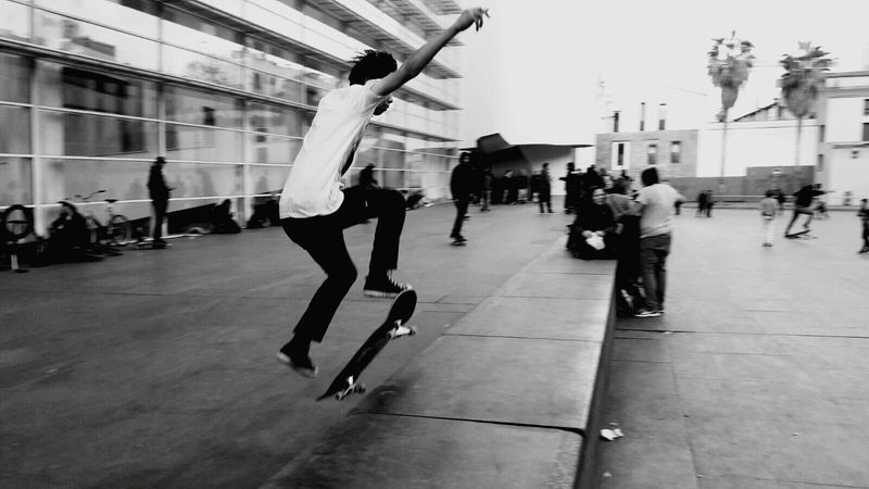 Youth Culture City People Dancing Sport Human Body Part Adults Only Only Men Breakdancing Young Adult Adult Full Length Outdoors Skateboarding Men Stunt Skateboard Skate Life Skateeverydamnday Skateboarder Skatepark Skateboard Park Day