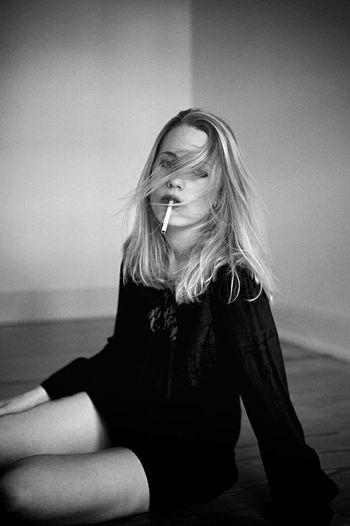 Monochrome Female Community Cigarette  Smoke Black And White Noir Et Blanc
