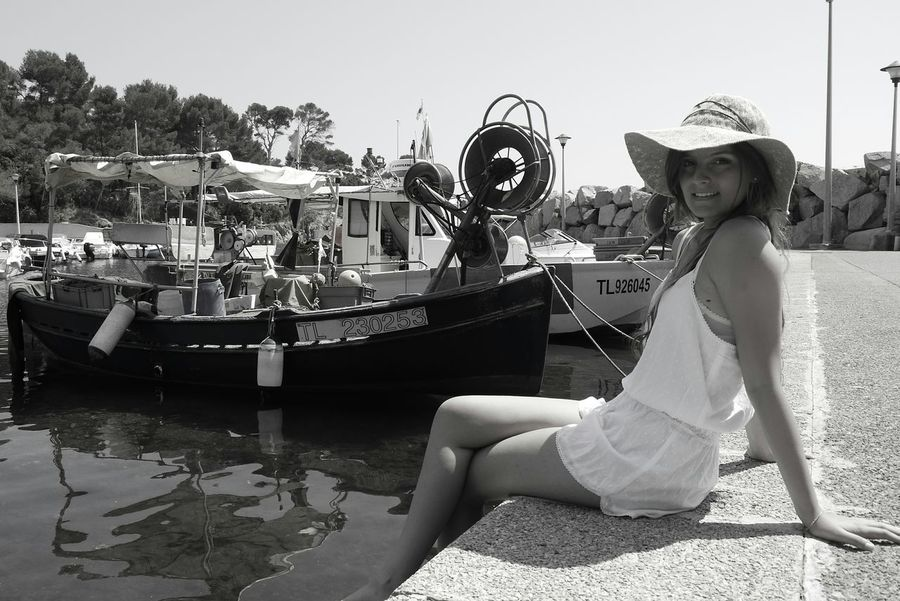 Relaxing Taking Photos Enjoying Life Voyage Nature Beautiful ♥ Paysage Popular Photos Black & White B&W Portrait Port familial