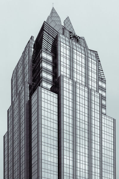When i turned this photo to see how it would look like in B+W, it immediately looked like a drawing. Adjusted shadows and highlights some to emphasize the lines Architecture Black And White Black And White Collection  Black And White Photography Building Exterior Building Feature Built Structure Business Business Finance And Industry City Day Façade Industry Modern No People Outdoors Sky Skyscraper Split Toning Straight Lines Welcome To Black