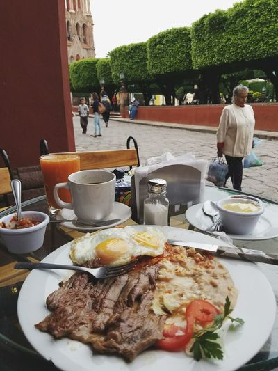 Hello World Hanging Out Eating Breakfast San Miguel De Allende 🤗 Mexico Enjoying Life
