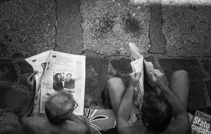 what's up ? EyeEm Selects High Angle View Real People Two People Newspaper Togetherness Reading