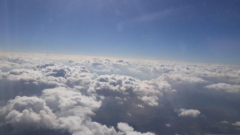 Sobrevoando Blue Cloud - Sky