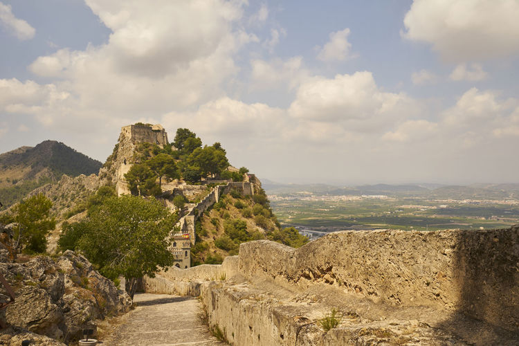 Spain🇪🇸 Landscape SPAIN Ruined Outdoors Archaeology Travel Mountain Tranquil Scene Plant Tranquility No People Old Ruin Travel Destinations Ancient Civilization Beauty In Nature Nature Day Built Structure Scenics - Nature Ancient The Past History Architecture Cloud - Sky Sky Stay Out Castell De Xàtiva