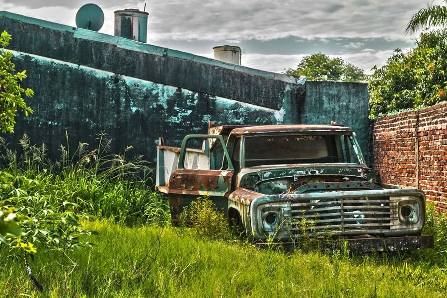 The Secret Spaces Old Old Car Antique Antique Car Abandoned Abandoned Places Abandoned Car Hdr Edit HDR Pickup Truck Nature Nature Takes Over Nikon D3200 Argentina Photography Colours Art Is Everywhere Outdoors ChangeTheWayYouSeeTheWorld Artistic No People Illuminated Argentina Photography
