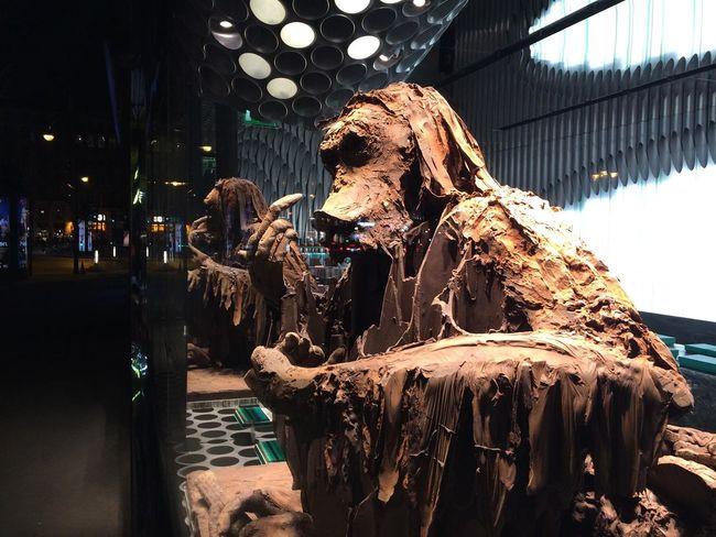 Paris Sculpture Chocolate In The Window Shop Window Monkey Singe Art Vitrines