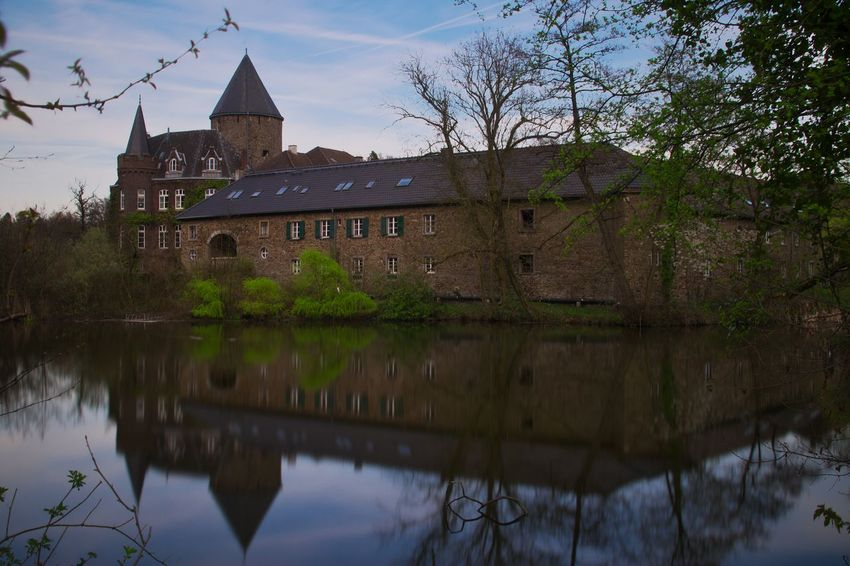 Architecture Water Reflection Architecturephotography Castle Outdoors No People Architecture LongTerm Longexposure Long Exposure Water Reflections Schloss Ruhrgebiet Langzeitbelichtung