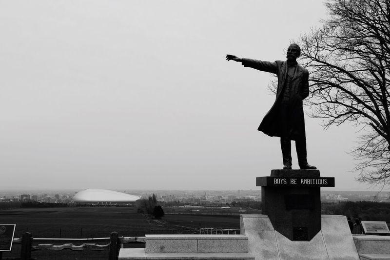 北海道 羊ヶ丘展望台 札幌 Sapporo,Hokkaido,Japan Boys Be Ambitious クラーク博士 少年よ、大志を抱け Travel Day Japan Monument Welcome To Black