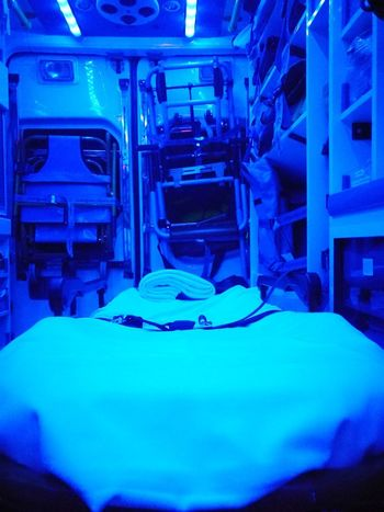 Ambulance Ambulance Er Urgency Hospital Nursery Critical 112 Urgencias Dead Or Alive  Technology Emergency Room Paramedic Emergency Services Occupation Rescue Worker First Aid
