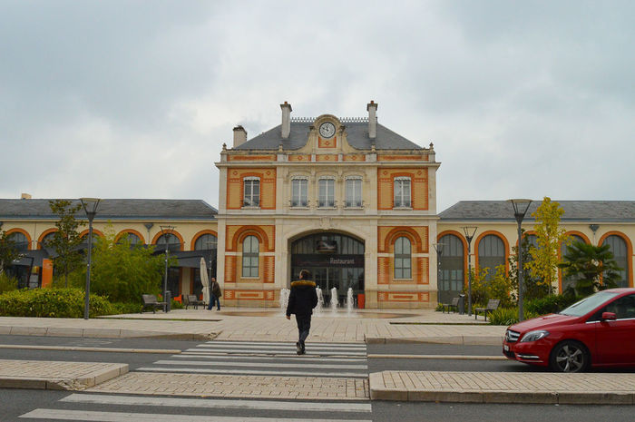 France Architecture Building Exterior Built Structure Mainstation Outdoors People Vichy