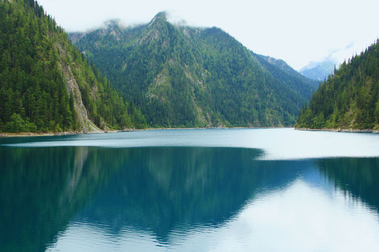 Water Beauty In Nature Mountain Lake Scenics - Nature Tranquil Scene Reflection Tranquility No People Non-urban Scene Mountain Range Nature Outdoors Turquoise Colored