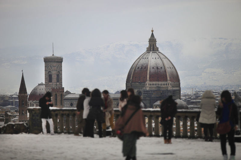 People Against Florence Cathedral In City