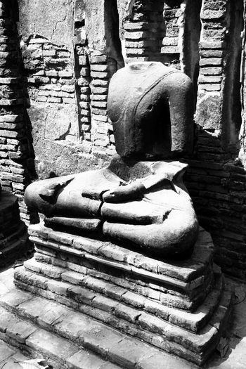 Old Buddha Statue Decay Of The Object Buddha Statue Old Object Decay Buddha Statue In Thailand Buddhism Believe Buddha Statue In Thailand Archaeological Site Antiquities Antiquities In Thailand ใน Thailand