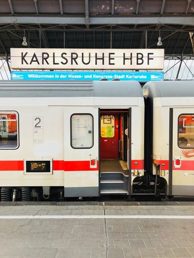 Now; this IC to Stuttgart. #Karlsruhe #Bahnhof Train Station Bahnhof Mode Of Transportation Transportation Rail Transportation Public Transportation Communication Text Railroad Station Train Travel
