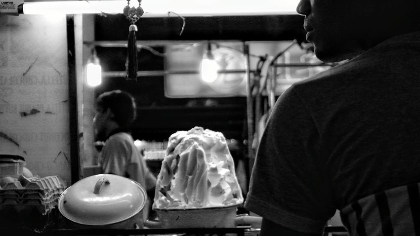One Person Occupation Bakery Working Small Business One Man Only Adult Food And Drink Establishment Food Domestic Life Phuket,Thailand Patong Streetfood Vendor Foodseller Blackandwhite Photography
