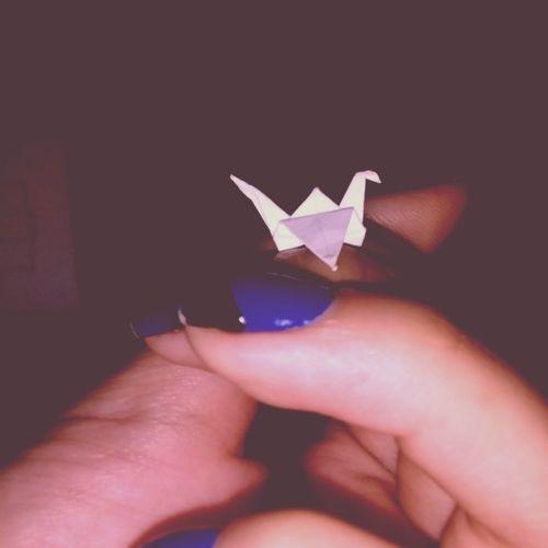 Mas ficou TÃO pequenininho *-* Tsuru Menortsurudomundo Littletsuru Pequeño origami miniorigami guinesspramim haha