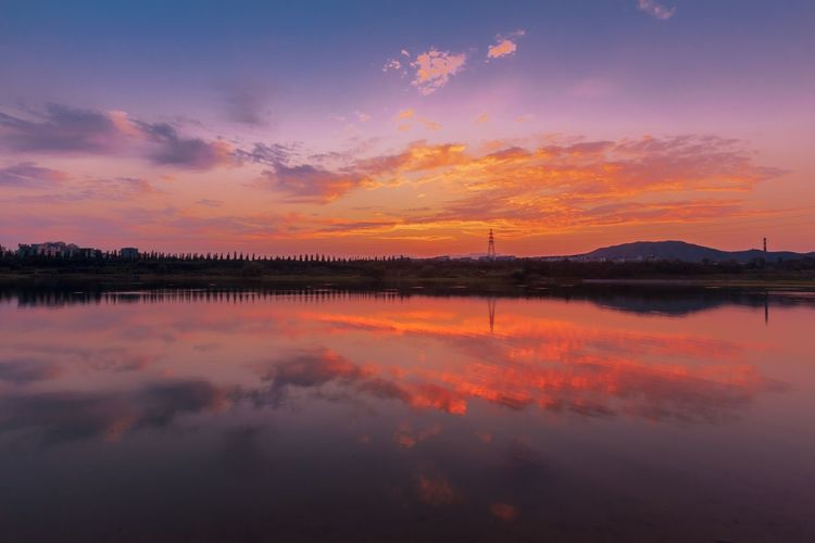 43 Golden Moments Cityscapes Sunset Landscape_Collection Sunshine Landscapes Cityscape Beijing, China Landscape Landscape_photography Beijing Water Water Reflections Water_collection Lake Sunset_collection Sunlight Home Is Where The Art Is Colour Of Life Paint The Town Yellow