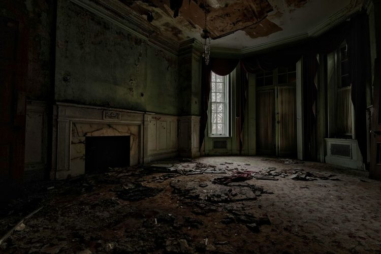 Opulent decline Fuzed_decay Historical Building Abandoned House Abandoned EyeEm_abandonment Abandoned Places ExploreEverything Urbex Abandon_seekers Decay Tour_through_desolation EyeEm Best Shots Fuzed_fotos
