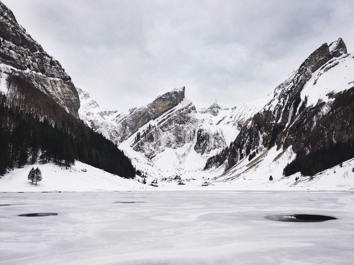 - Frozen Seealpsee - EyeEm Nature Lover EyeEm Best Shots Winter Lake Snow Cold Temperature Winter Mountain Frozen Scenics Nature Beauty In Nature Mountain Range Weather Tranquility Snowcapped Mountain White Color Sky Outdoors No People