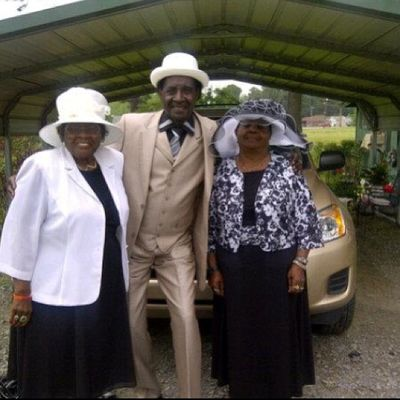 Shout out to my Grandma, Uncle & my Auntie Stuntin like a mug in Arkansas!! Astroids ArkansasSteez Oldmoney OldPimpin Flexin  Fashion