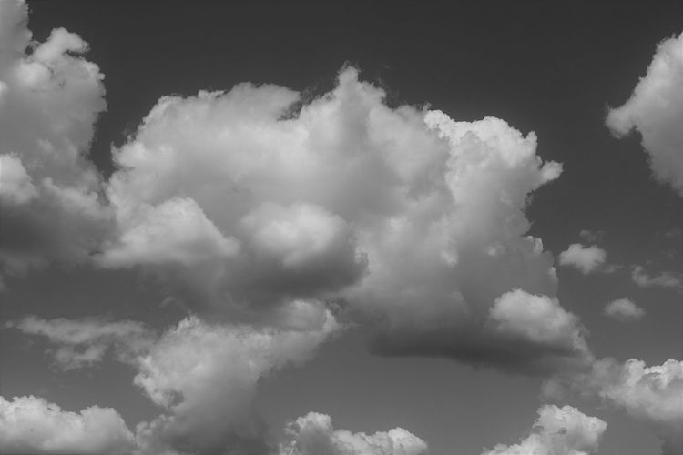 Nubes madrileñas / Madrid cloudsSky And Clouds Tranquility Backgrounds Beauty In Nature Blackandwhite Cloud - Sky Day Full Frame Low Angle View Mindfulness Minimalism Nature No People Outdoors Scenics Simplicity Sky Sky Only Tranquility