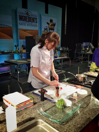 Powdered sirracha, cricket flour and more new product finds in the Chef Katie Weinner demo. Cooking Chef Cookingdemo Food