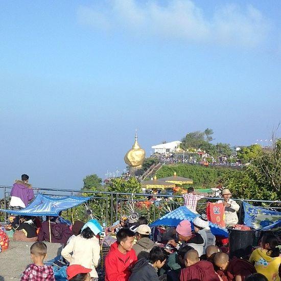 စည္စည္ကားကား တို႔ဘုရား Kyaikhteeyoe Pagoda Myanmar Goldenrock igersmyanmar