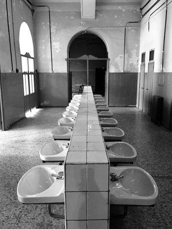Toilets Perspective Blanco Y Negro Edificio Antiguo Locker Room Black And White Madrid Tabacalera Old Buildings Bathroom Toilets Chair Empty Door