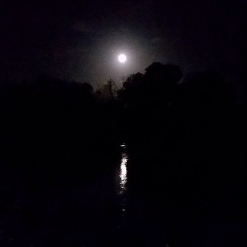 Moon is out over the Willamette River guess I'm Running in the dark tonite. KillinIt MakeItHappen