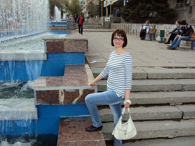 Walking Around The City  Springtime Fontain Enjoying Life