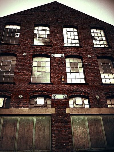 IPhoneography Architecture Arkwrights Mill Ilkeston Old Buildings Rule Of Thirds Amazing Architecture Buildings Windows Abandoned Buildings TakeoverContrast Streetphotography Lookingup Windows And Doors Window Light