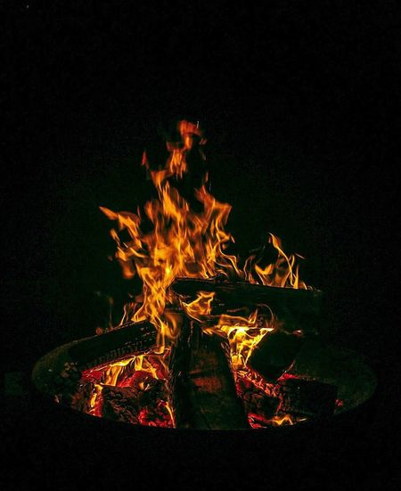 Analogue Sound Crackling Fire Heat - Temperature Illuminated Fire - Natural Phenomenon Holiday Moments Flame Flame Bonfire Wood - Material Camping Glowing Fire Pit Dark No People Fireplace Wood Campfire Firewood Analogue Sound