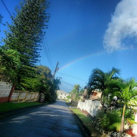 I hope this is barbados way of telling its gonna be a good year !!! Walkingtoschool  Goodvibes